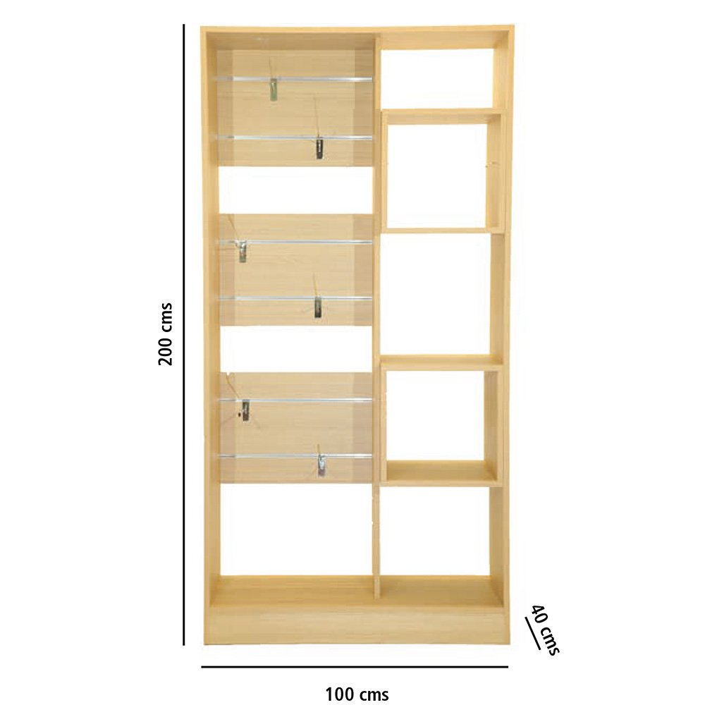 Modelo: Ordesa Ref: 001 Composición preparada para colocar en su lado derecho cubos y en su lado izquierdo 3 fajas con guías preparadas para colgadores móviles, y en su parte superior está preparado para soporte bicicleta.